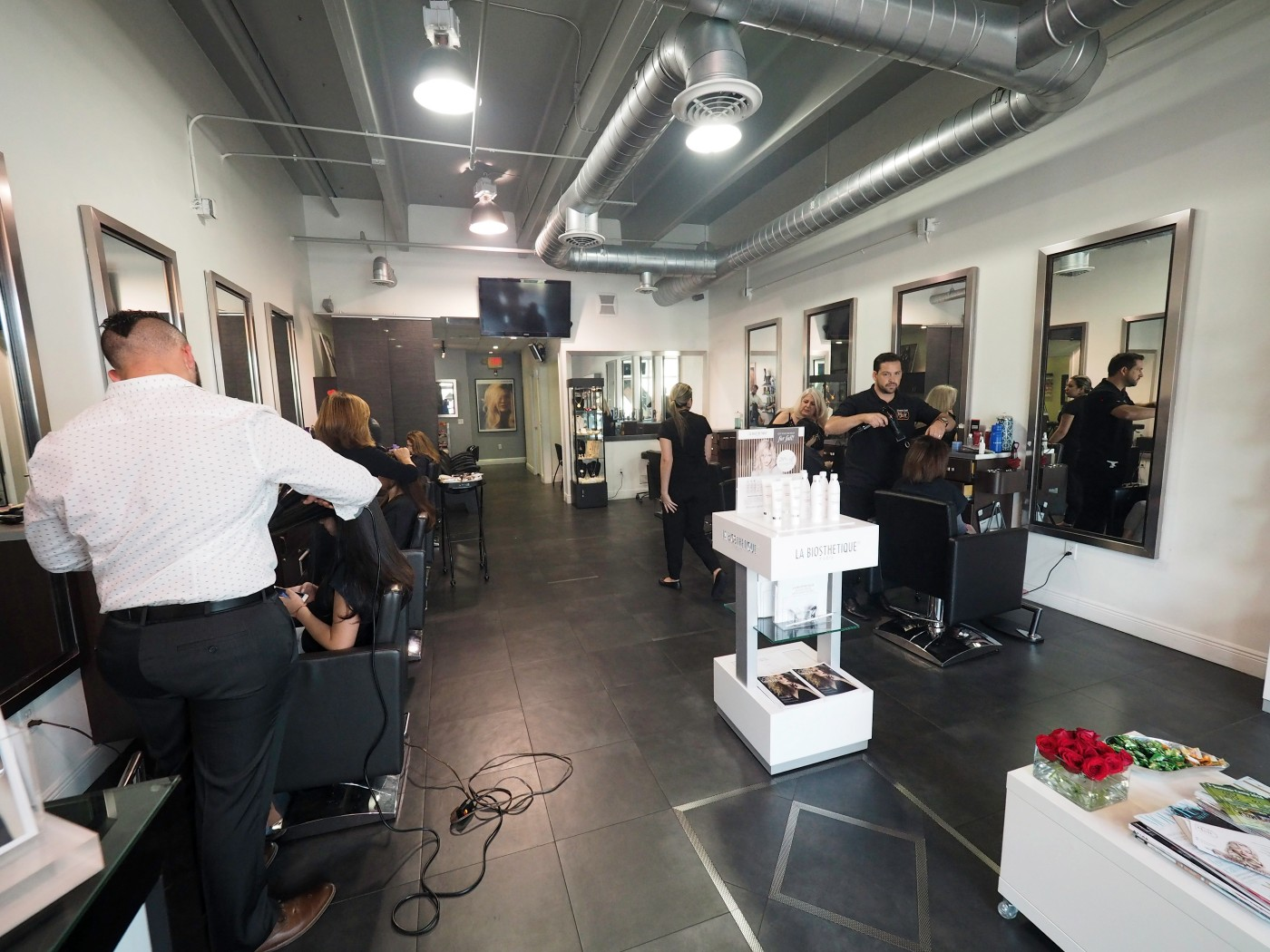 Portfolio schwarz stylist hair salon in doral for Salon 81 argenteuil